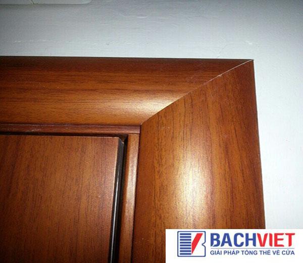 Ưu điểm nổi bật cửa gỗ sồi là gì?