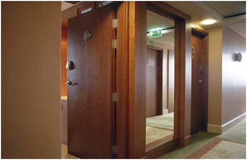 Cưu điểm vượt trội cửa gỗ chống cháy thiết kế hoàn thiện