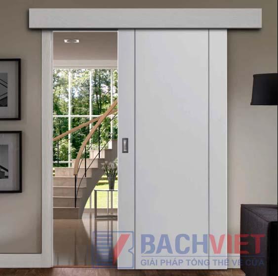 Mẫu cửa cánh cửa màu trắng nẹp khuôn màu trắng