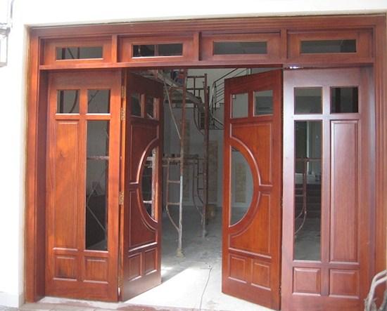 cửa gỗ pano kính 4 cánh