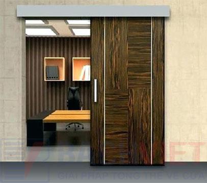Mẫu cửa gỗ trượt kiểu nhật phòng ngủ màu óc chó đẹp