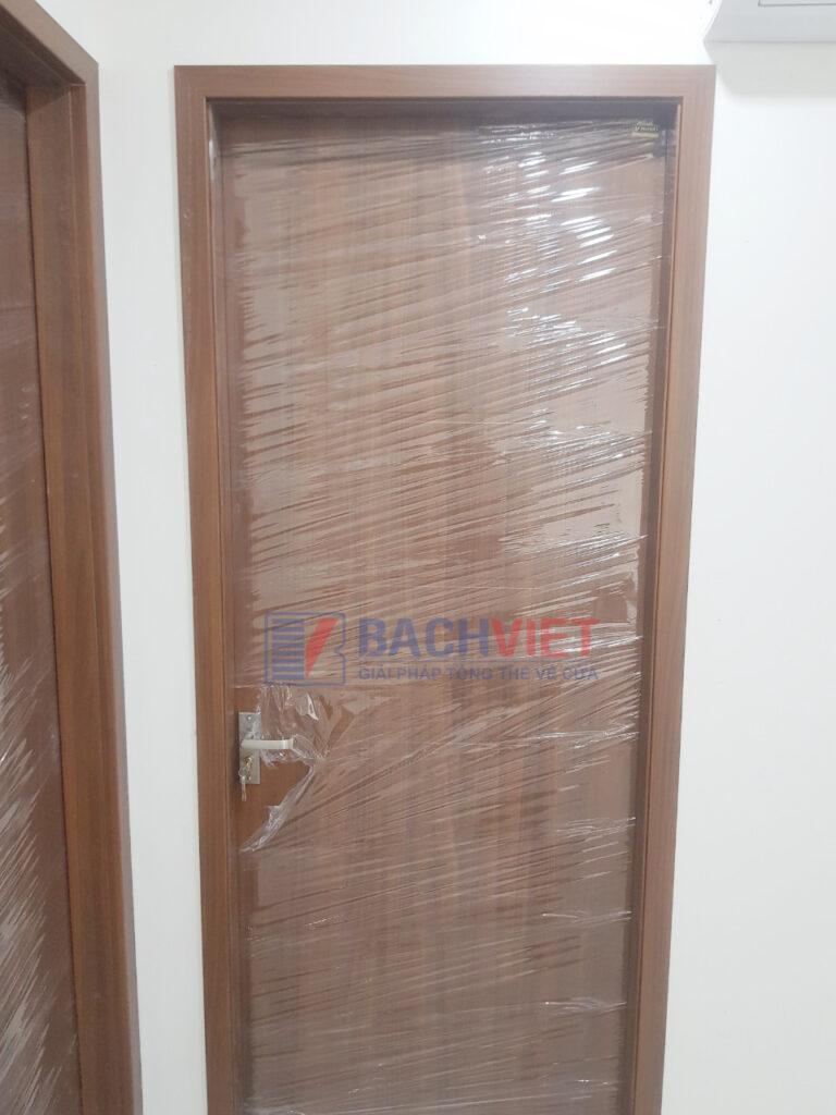Cửa gỗ gravo màu 4.1