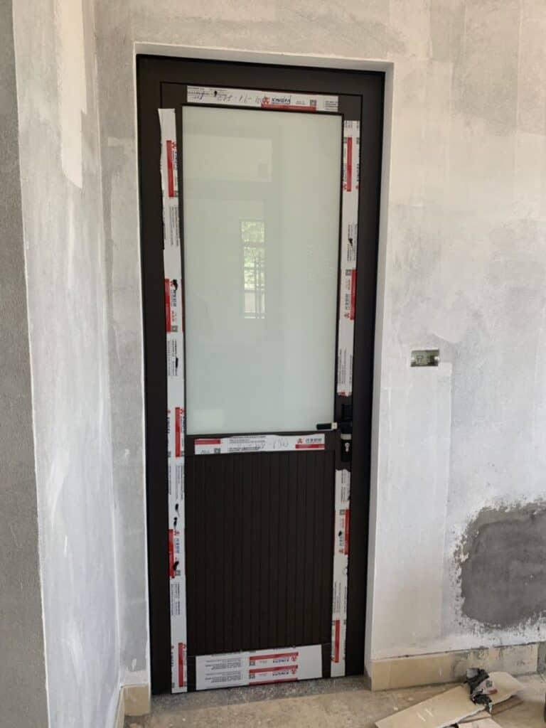 Mẫu cửa nhôm phòng tắm - nhôm xingfa