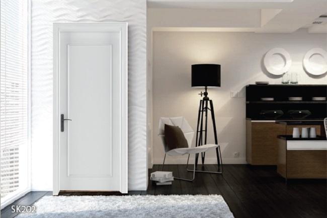 Cửa gỗ sơn trắng phẳng trơn khung xương gỗ tự nhiên