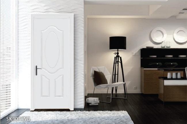 Cửa gỗ sơn trắng khắc hình đa dạng